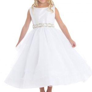 ⬇️✂️Huge PRICECUT🧖♀️Girls white event dress‼️😇